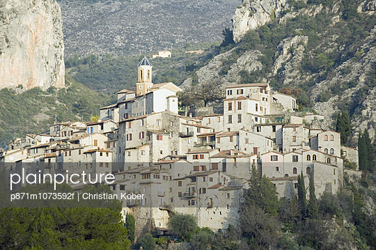 Perched village of Peillon, Alpes-Maritimes, Cote d\'Azur, French Riviera, Provence, France, Europe