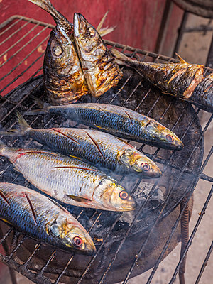 Grilled fish - p390m2032040 by Frank Herfort