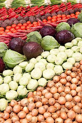 Gemüsemarkt - p898m853026 von Julia Blank