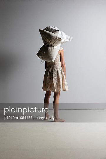 Padding - p1212m1084189 by harry + lidy