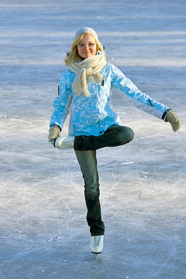 Girl skating - p3226742 by Hannu Ala-Hakkola