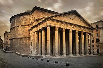 Pantheon, Rome - p6070481 by Mirek Weichsel