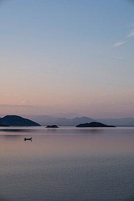 Sunset at the seaside - p1046m1045294 by Moritz Küstner