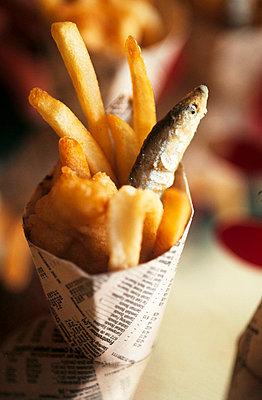 Mini fish and chips - p3490776 by Jan Baldwin