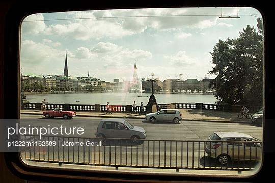 Blick auf Binnenalster - p1222m1162589 von Jérome Gerull