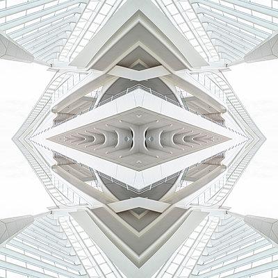 Abstract kaleidoscope pattern Liège-Guillemins station in Liège - p401m2207479 by Frank Baquet