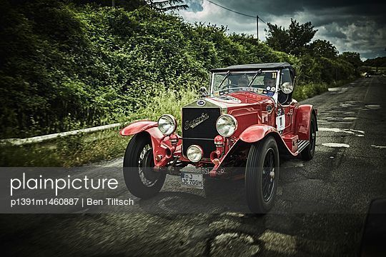 p1391m1460887 by Ben Tiltsch