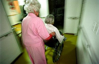 Elderly people - p0760101 by Tim Hoppe