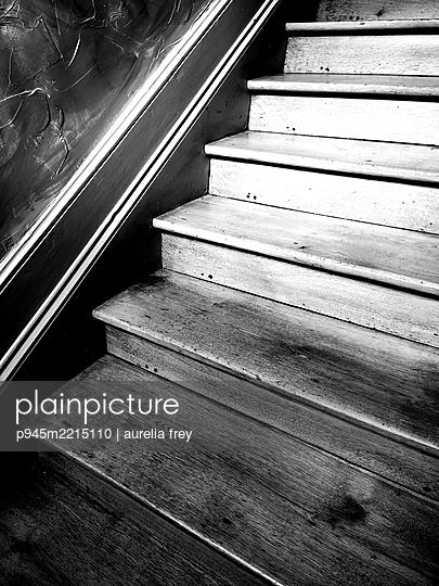 Holztreppe - p945m2215110 von aurelia frey