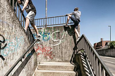 Urban Climbing - p1222m1467442 von Jérome Gerull