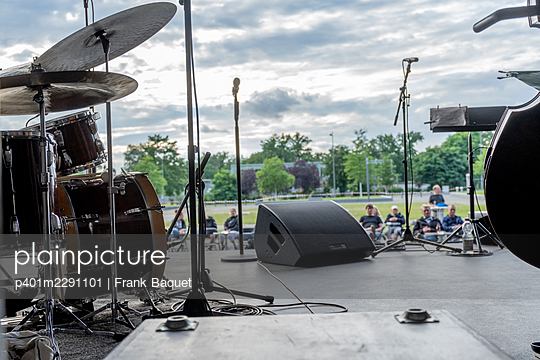 Open Air Stage - p401m2291101 by Frank Baquet