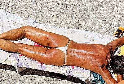 Sonnenanbeterin - p318m901429 von Christoph Eberle