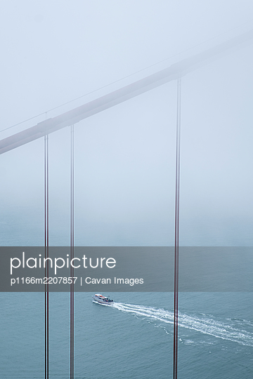 Golden Gate Bridge in Fog - p1166m2207857 by Cavan Images