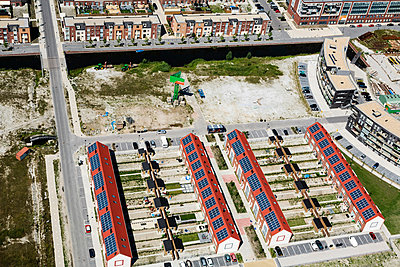 Housing area 'City of the sun' - p1120m925927 by Siebe Swart