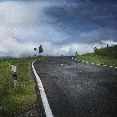 Road - p1633m2209978 by Bernd Webler