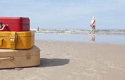 Viel Urlaub - p454m1065273 von Lubitz + Dorner