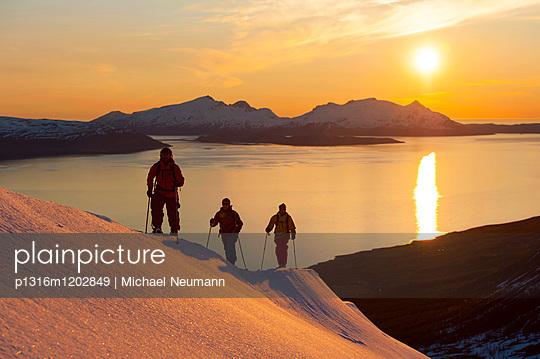 Skitouring, midnight sun, Lyngen Alps, Tromsoe, Norway
