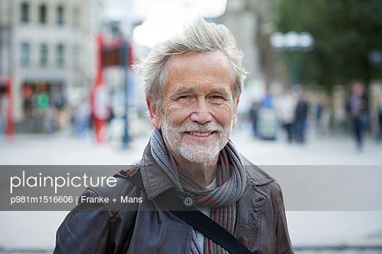 Unterwegs - p981m1516606 von Franke + Mans