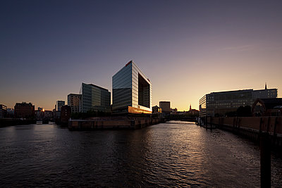 Brooktorkai Hamburg - p1370m1445398 von Uwe Reicherter