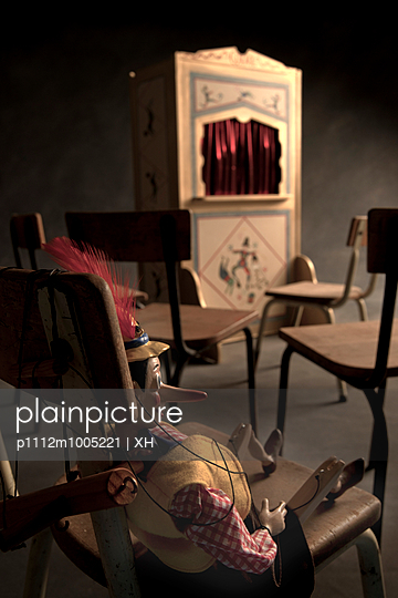 Puppet theatre - p1112m1005221 by XH