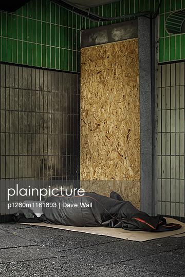 Obdachloser - p1280m1161893 von Dave Wall