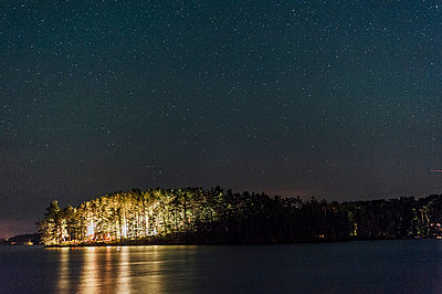 night at Chandos Lake - p1065m982637 by KNSY Bande