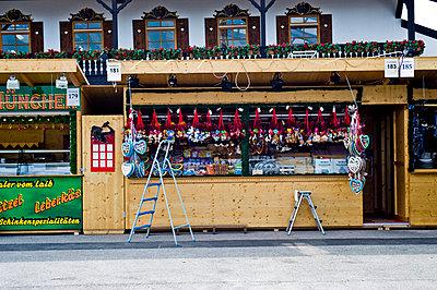 Sales stalls - p4902762 by Janina Laszlo