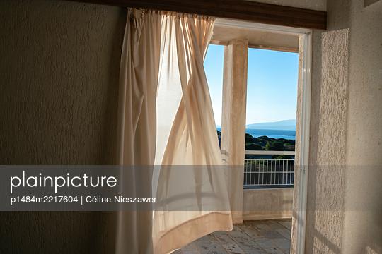 Fresh air - p1484m2217604 by Céline Nieszawer