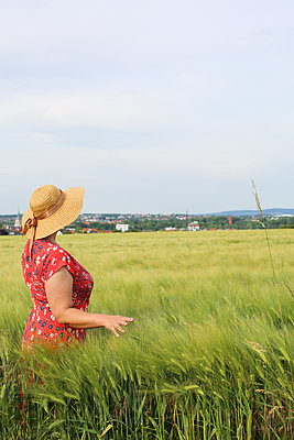 in the fields - p1494m2104659 by Inkje Drescher