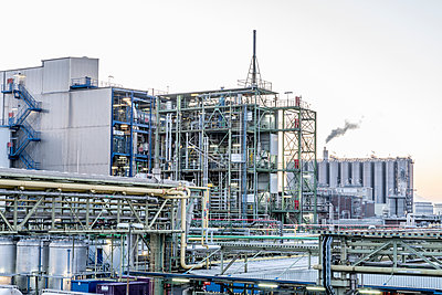 Chemical industrial plant - p401m2228380 by Frank Baquet