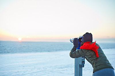 Search the horizon - p767m698064 by vonwegener.de