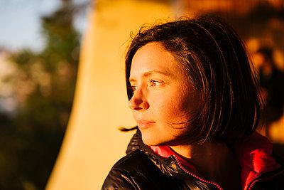 Portrait bei Sonnenuntergang - p1357m2164327 von Amadeus Waldner
