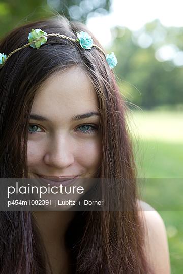 Summer of love - p454m1082391 by Lubitz + Dorner