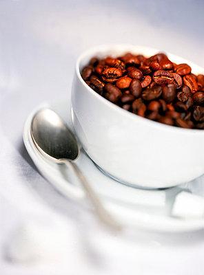 Coffee beans - p2681382 by Rui Camilo