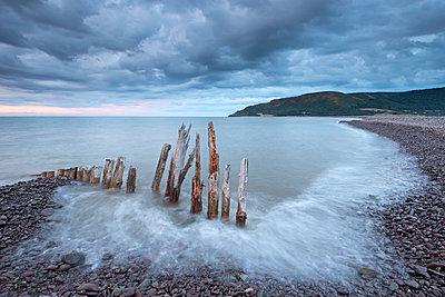Wooden sea defences at Bossington Beach - p871m861633 by Adam Burton
