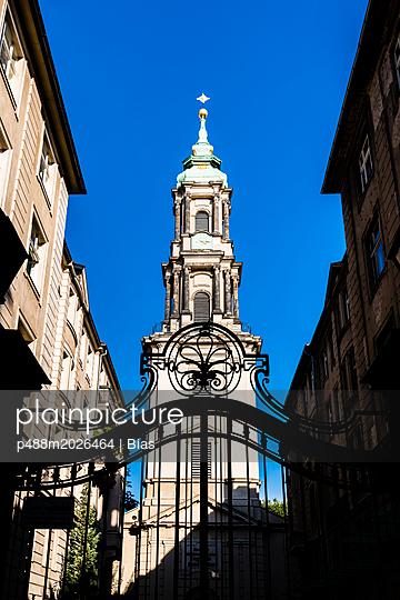 Kirchturm - p488m2026464 von Bias