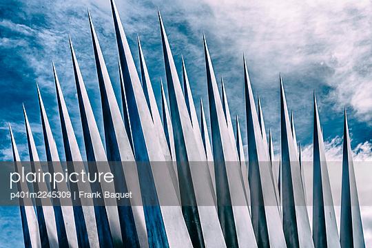 Pyramid sculpture - p401m2245309 by Frank Baquet