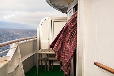 Caribbean Cruise - p600m2076318 by Laura Stevens
