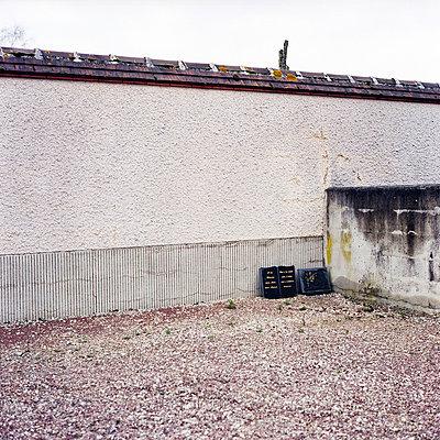Backyard - p9110499 by Benjamin Roulet