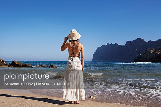 p1348m2100982 by HANDKE + NEU
