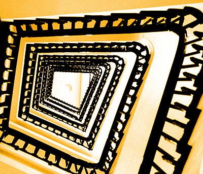 Treppenhaus - p1268m1516764 von Mastahkid