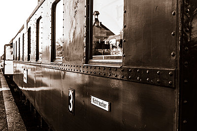 Nostalgischer Eisenbahnwaggon - p360m800547 von Ralf Brocke