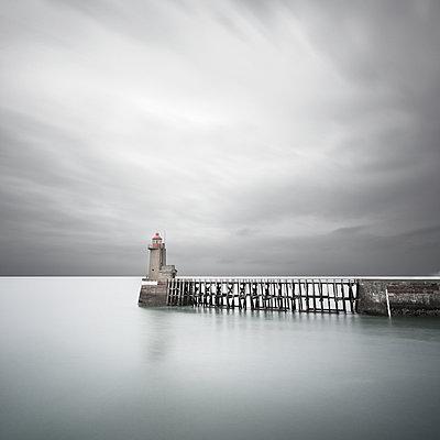 Leuchtturm - p1137m940658 von Yann Grancher