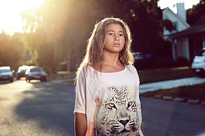 Teenage in the sunset - p1430m1503688 by Charlotte Bresson