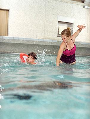 Schwimen beibringen - p2460169 von souslesarbres