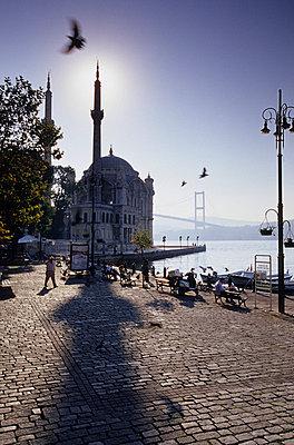 Istanbul - p3000995f by Mel Stuart