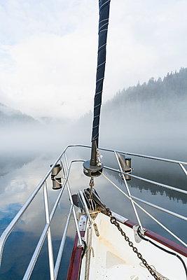 Canada, British Columbia, Khutzeymateen Valley, Khutzeymateen Provincial Park, sailing ship - p300m2213751 by Fotofeeling