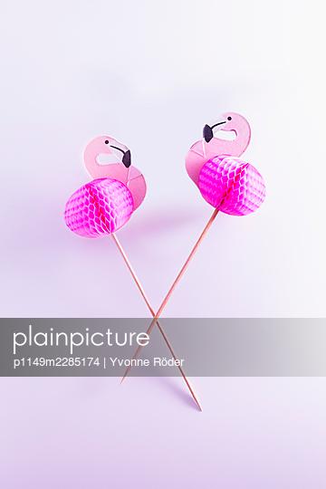 Flamingo decoration - p1149m2285174 by Yvonne Röder