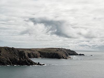 Küste von Land's End - p1383m2026515 von Wolfgang Steiner