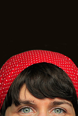 Red cloth - p450m1133296 by Hanka Steidle